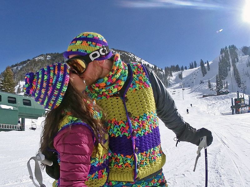 Smootching gapers on gaper day.