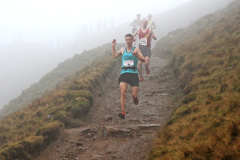 Runners, descending, fells, english championship