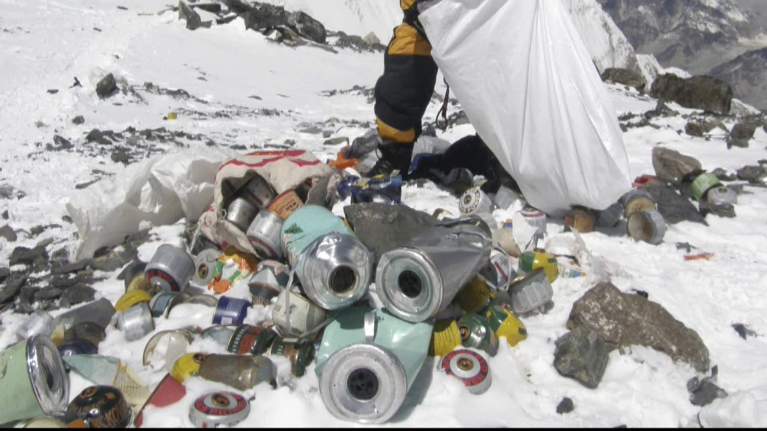 Everest, highest, mountain, himalayas, trash, rubbish, garbage, climbers