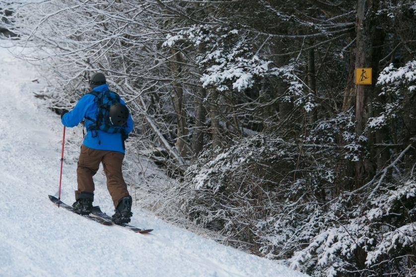 split boarding, uphill, ski-touring, ski-mo