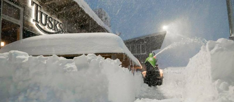 mammoth, mammothmarch, closed, safety concerns, avalanche, lightning