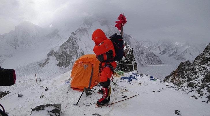 k2, winter summit attempt, abandon, avalanche