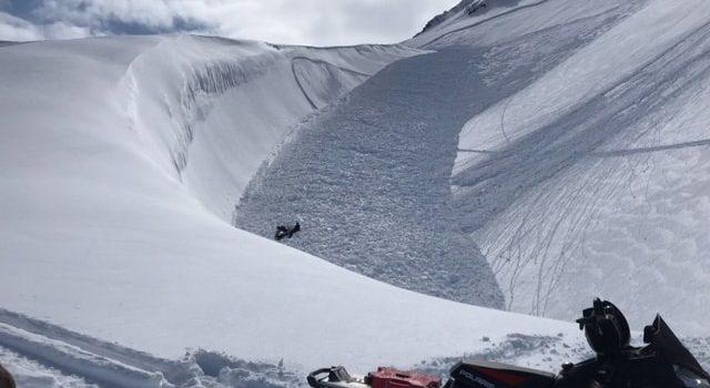 avalanche, alaska, snowmobiler