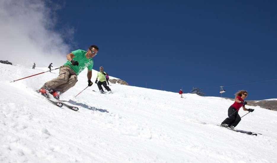 les 2 alpes, glacier, summer skiing