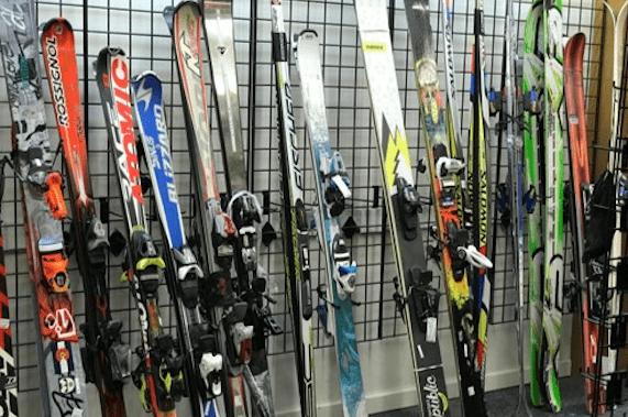 unclaimed baggage, ski event