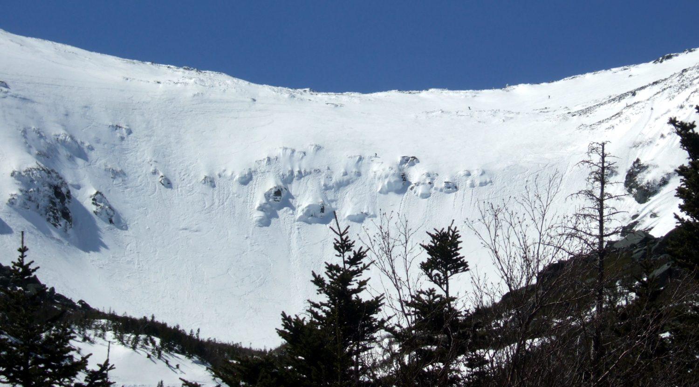 Tuckerman Ravine, skiing tuckermans revine, tuckerman's ravine, mt washington ravine, skiing mt. washington