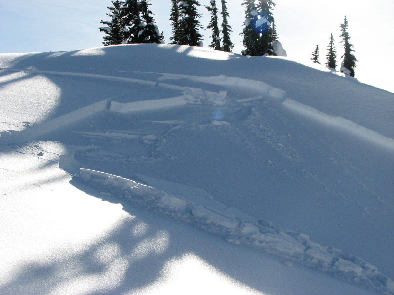avalanche, canada, Justin Trudeau,