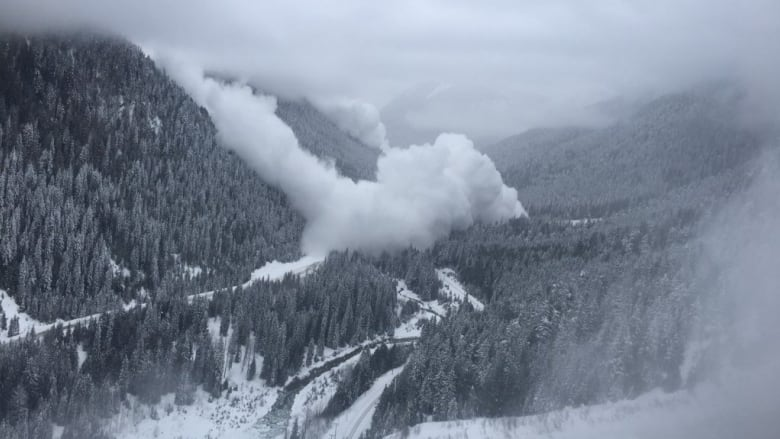 canada, avalanche, warning