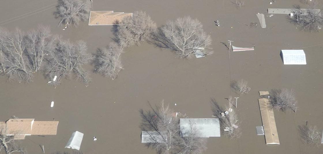 PHOTO-Levees-along-the-Missouri-River-fa