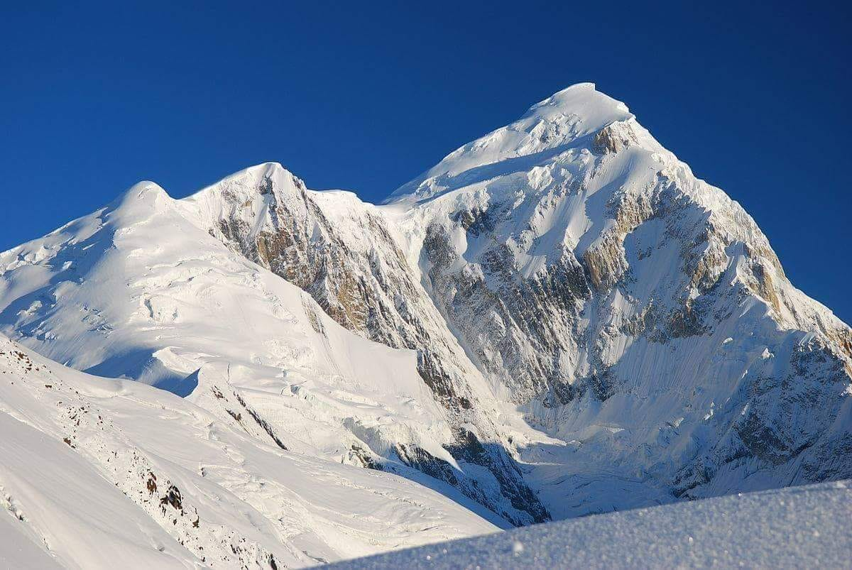 10-year-old girl, youngest, summit