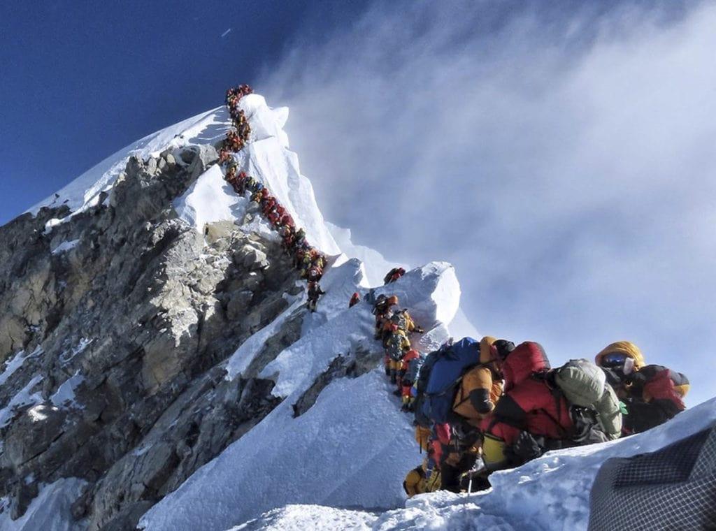Everest Traffic, crowded
