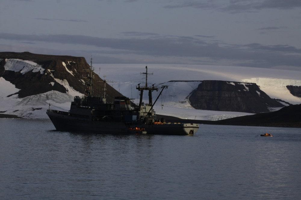 walrus, sinks, Russian navy