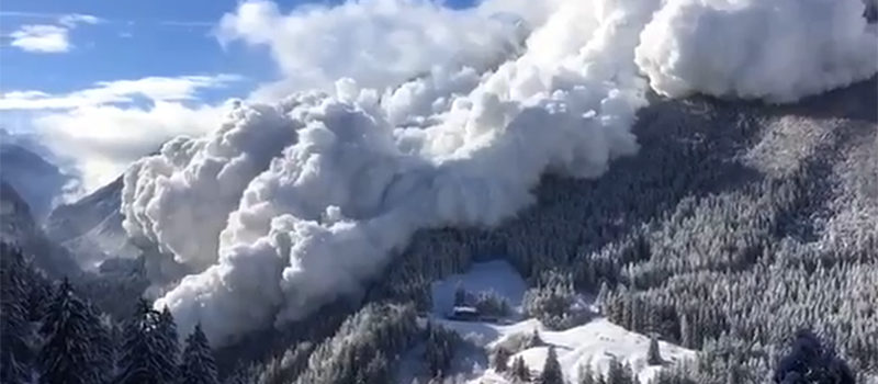 avalanche alps switzerland snow lawinen