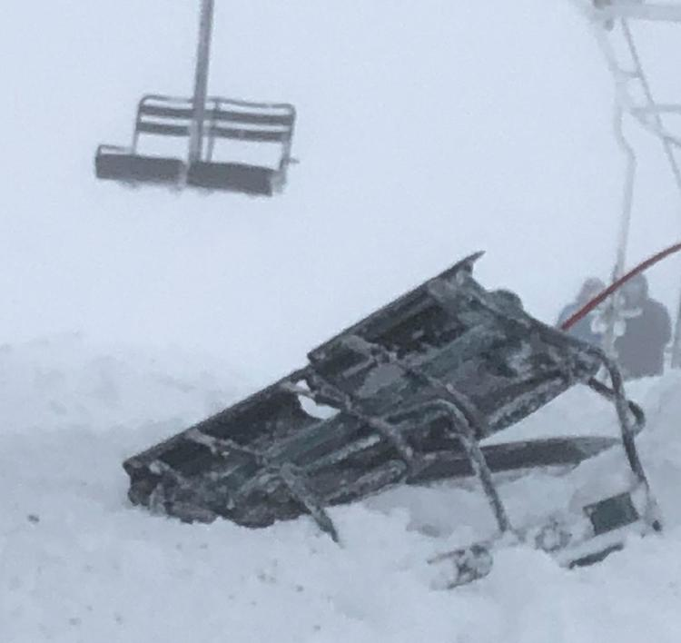 Montana Snowbowl, chairlift, fell, evacuated
