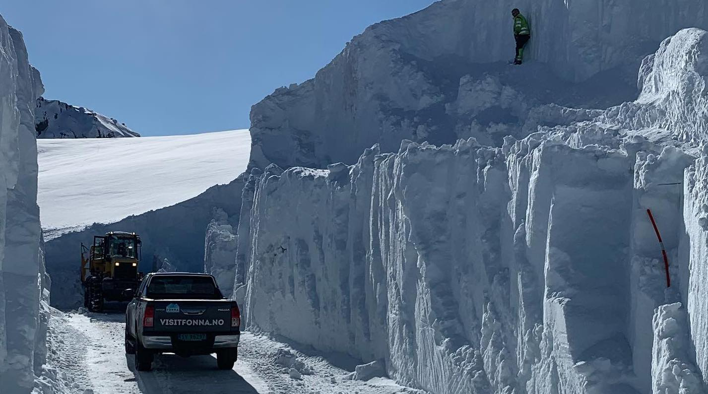 Norway, fonna glacier, opening