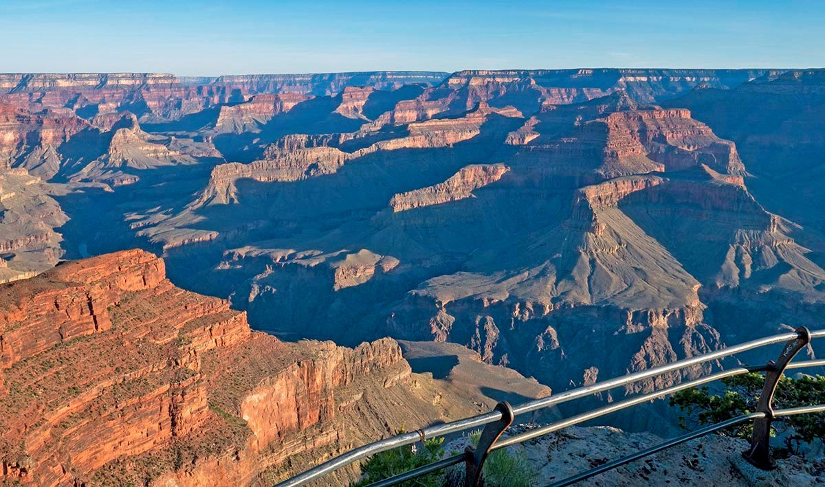how big is the grand canyon