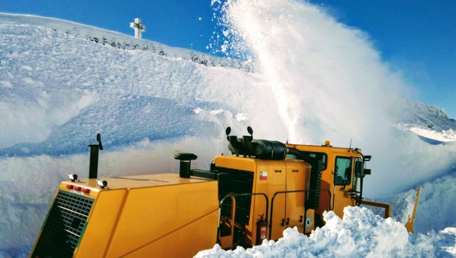 Pino Hachado Pass, Snow Blower, Machine, MOP , Chile, Argentina