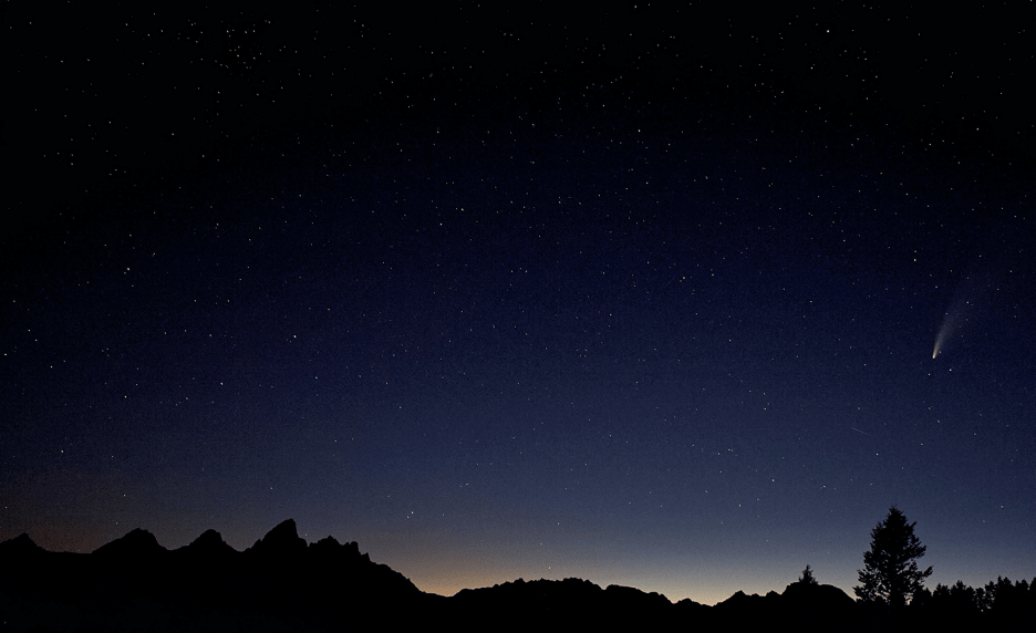 Comet NEOWISE over the Tetons
