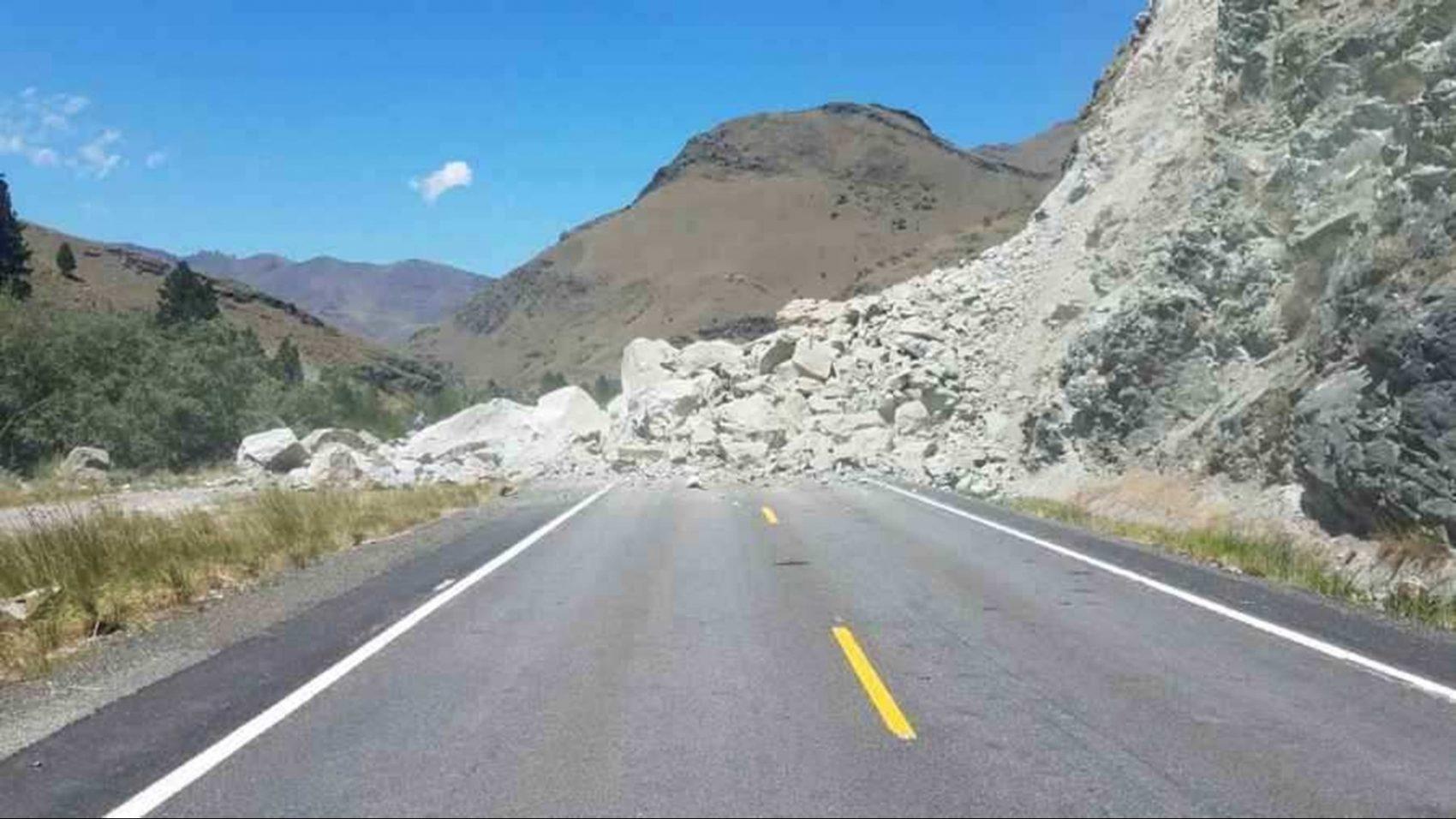 Rocks 20 feet deep close road