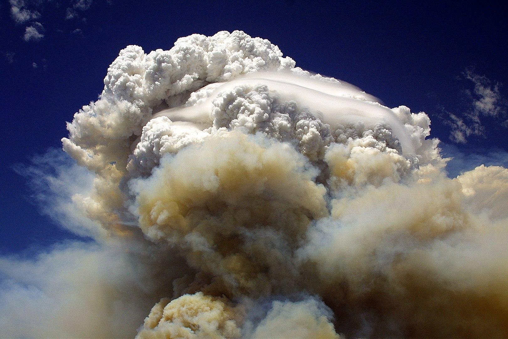 Intense fire cloud