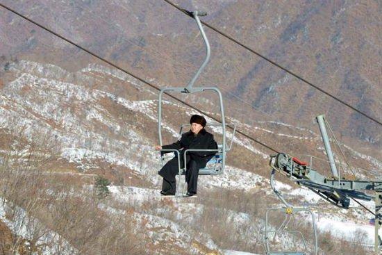 Kimmy J skiing