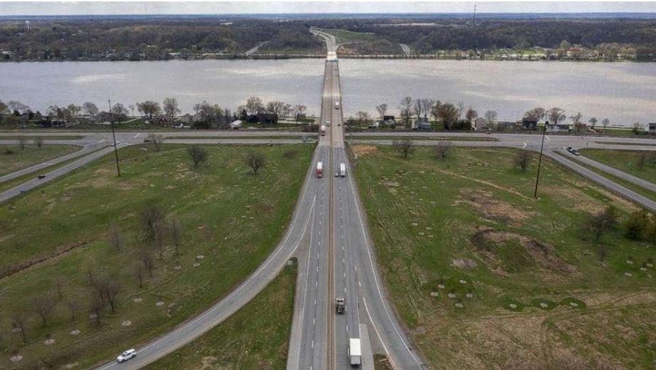 Mississippi River, bison bridge