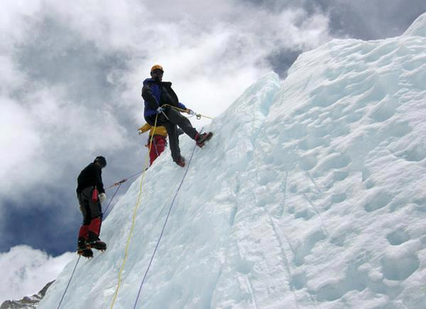 mt everest, how much does it cost to climb mount everest