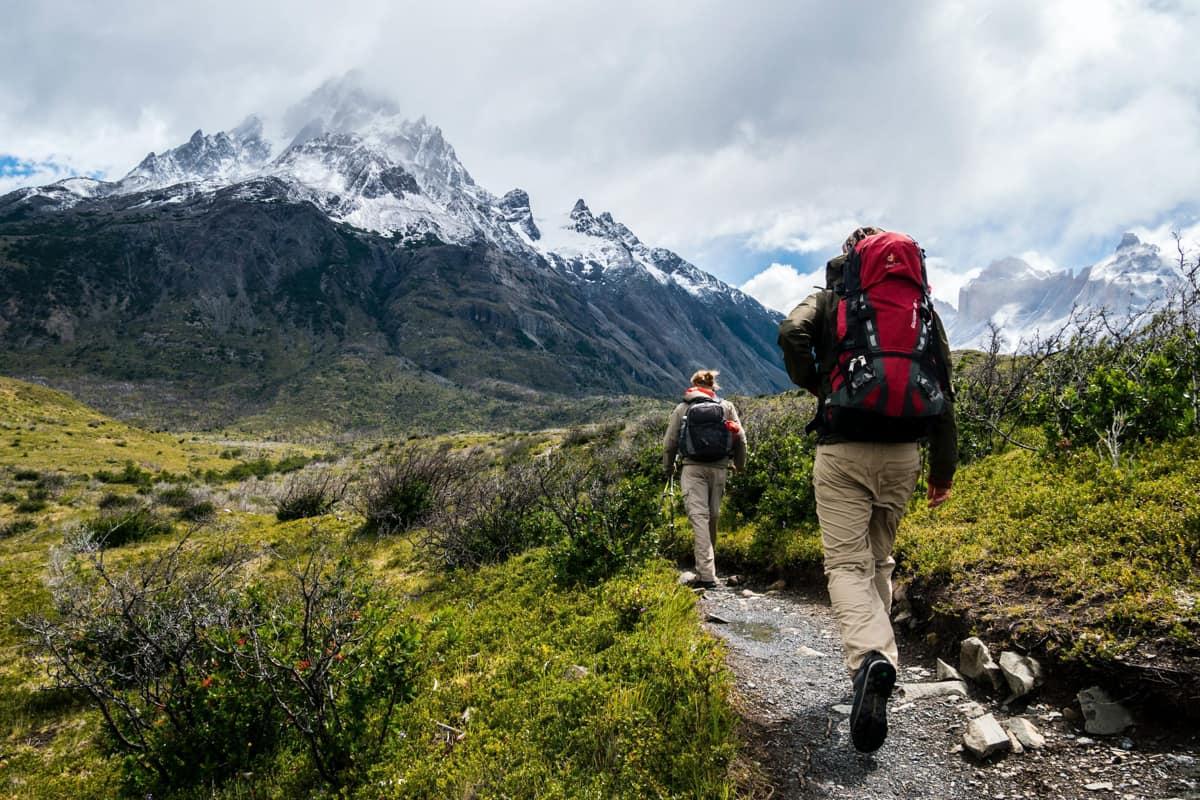 hiking, obesity rate,